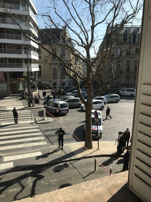 Photo of Έκρηξη παγιδευμένου φακέλου στα γραφεία του ΔΝΤ στο Παρίσι – Ένας νεκρός απο την Ελληνική «Συνωμοσία των Πυρήνων της Φωτιάς»
