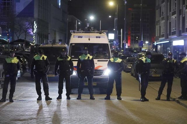 Photo of Κλιμακώνεται επικίνδυνα η ένταση μεταξύ Ολλανδίας και Τουρκίας! Συνελήφθη και απελάθηκε Τουρκάλα υπουργός