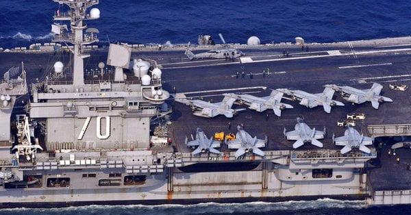 Photo of Σε θέσεις μάχης η αμερικανική αρμάδα με επικεφαλής το USS Carl Vinsοn «απέναντι» από την Β. Κορέα