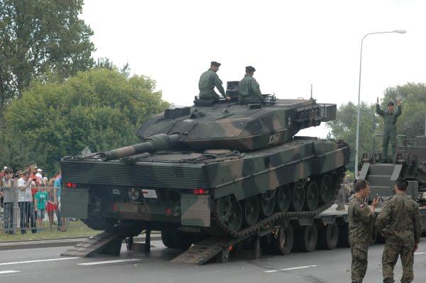 Photo of Πολωνικές ταξιαρχίες αρμάτων μάχης Leopard 2A5 κινούνται στα σύνορα με την Ρωσία και στο Καλίνινγκραντ-Όλα θυμίζουν παραμονές Ά Π.Π.