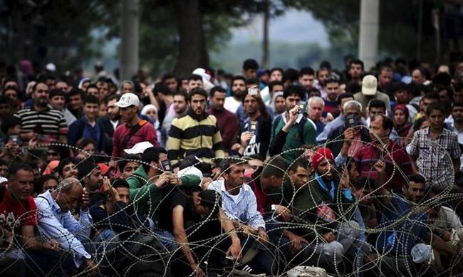 Photo of Τωρα  δινουν τραπεζικες κάρτες στους λαθρομετανάστες ..Ολική γενοκτονία για τους Eλληνες(video)