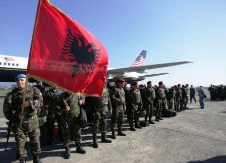 Photo of Εξοπλίζει η Αμερική την Αλβανία δήθεν για τη Ρωσία…..