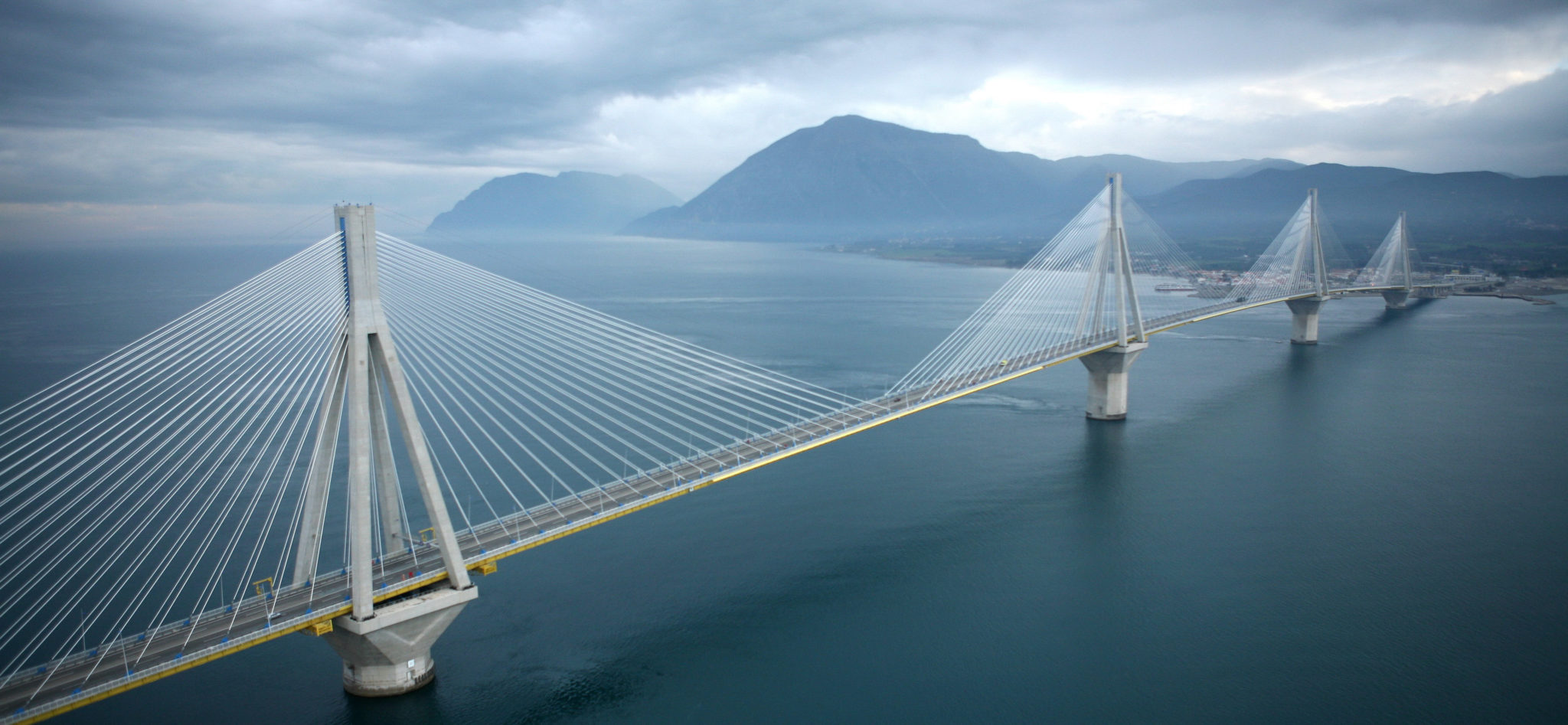 Photo of Το θαύμα της γεφυρας Ρίου – Αντιρίου.Δειτε πως φτιάχτηκαν τα θεμέλια της πάνω σε λασπώδες βυθό και σεισμογενές ρήγμα!!!