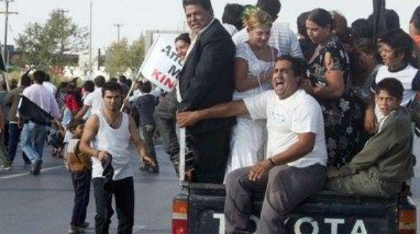 Photo of Πνίγουν στο χρήμα τους Ρομά: Δίνουν εκατομμύρια για την «κοινωνική ένταξή» τους