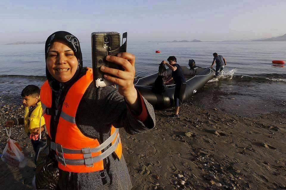 Photo of Δινουν γη σε λαθρομετανάστες……………….συνεχίζουν την αντικατάσταση μας…
