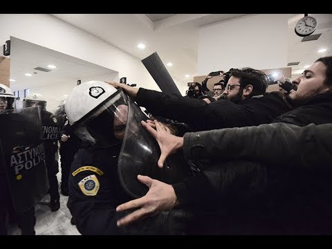 Photo of Η ΧΟΥΝΤΑ πολιορκεί τους πολίτες…(video)