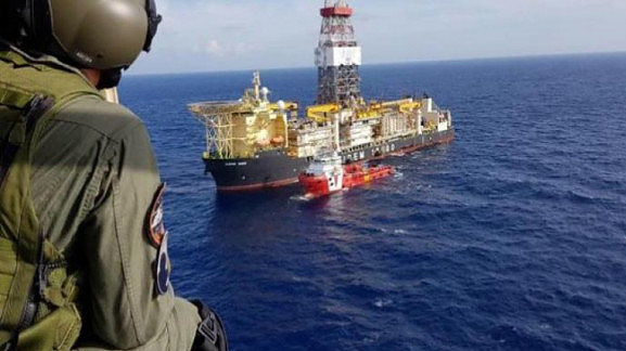 Photo of Νυχτερινή «καταδρομική» της ENI να προσεγγίσει το γεωτρύπανο έπεσε πάνω σε «τοίχο» τουρκικών σκαφών