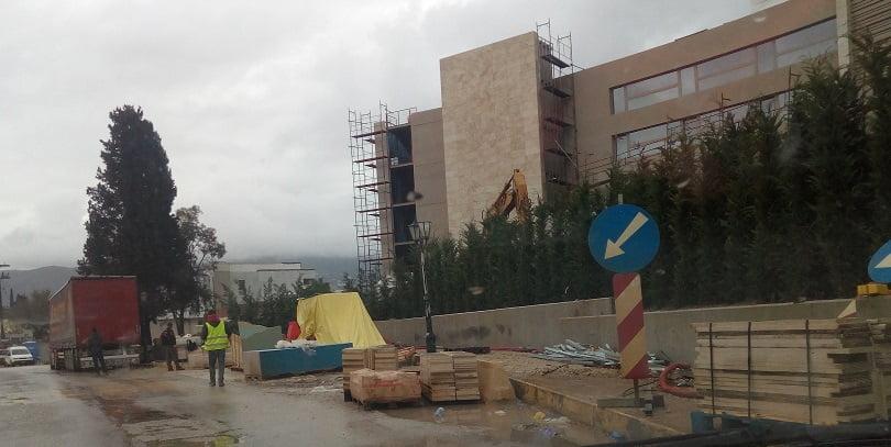 Photo of Φωτορεπορταζ από το εργοτάξιο στο δρομο της Δασιάς (Κερκυρα) από τα Ikos Resorts