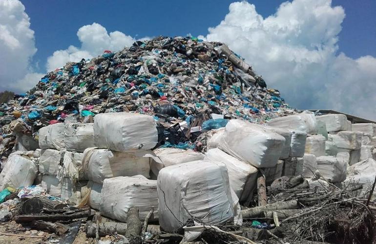 Photo of Tεταρτο βουνό  σκουπιδιών και παράνομο στο χώρο του δεματοποιητή!!!Την επέμβαση του Εισαγγελέα ζητούν οι κάτοικοι…στο Τεμπλόνι.