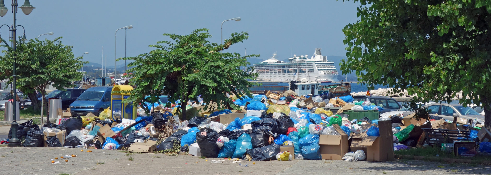 Photo of 7 χιλ τόννοι σκουπίδια στους δρόμους της Κέρκυρας. Κινδυνεύει να διαλυθεί η οικονομία και κίνδυνος μολύνσεων …Mυρίζει μπαρούτι!!!