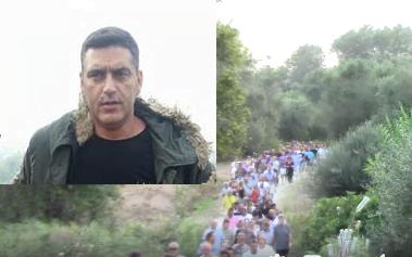 Photo of Μπούκαραν του πέρασαν χειροπέδες και συνέλαβαν τον κάμεραμαν του Αλευχιμον μεσα στην επιχείρηση του!!
