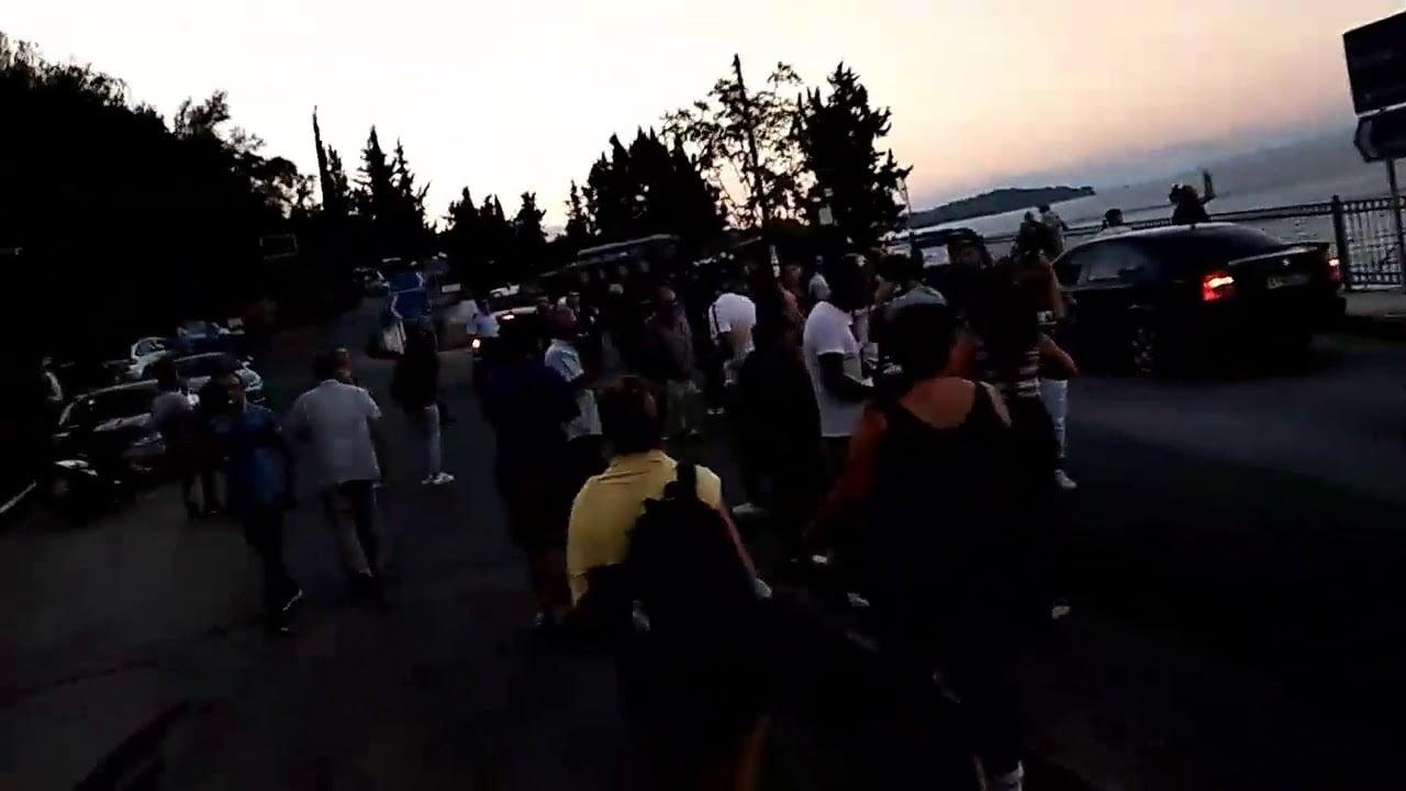 Photo of Εκοψε τη κυκλοφορία η Αστυνομία από Μπενίτσα και εγλώβισε τους πάντες!! (video & Φωτό)
