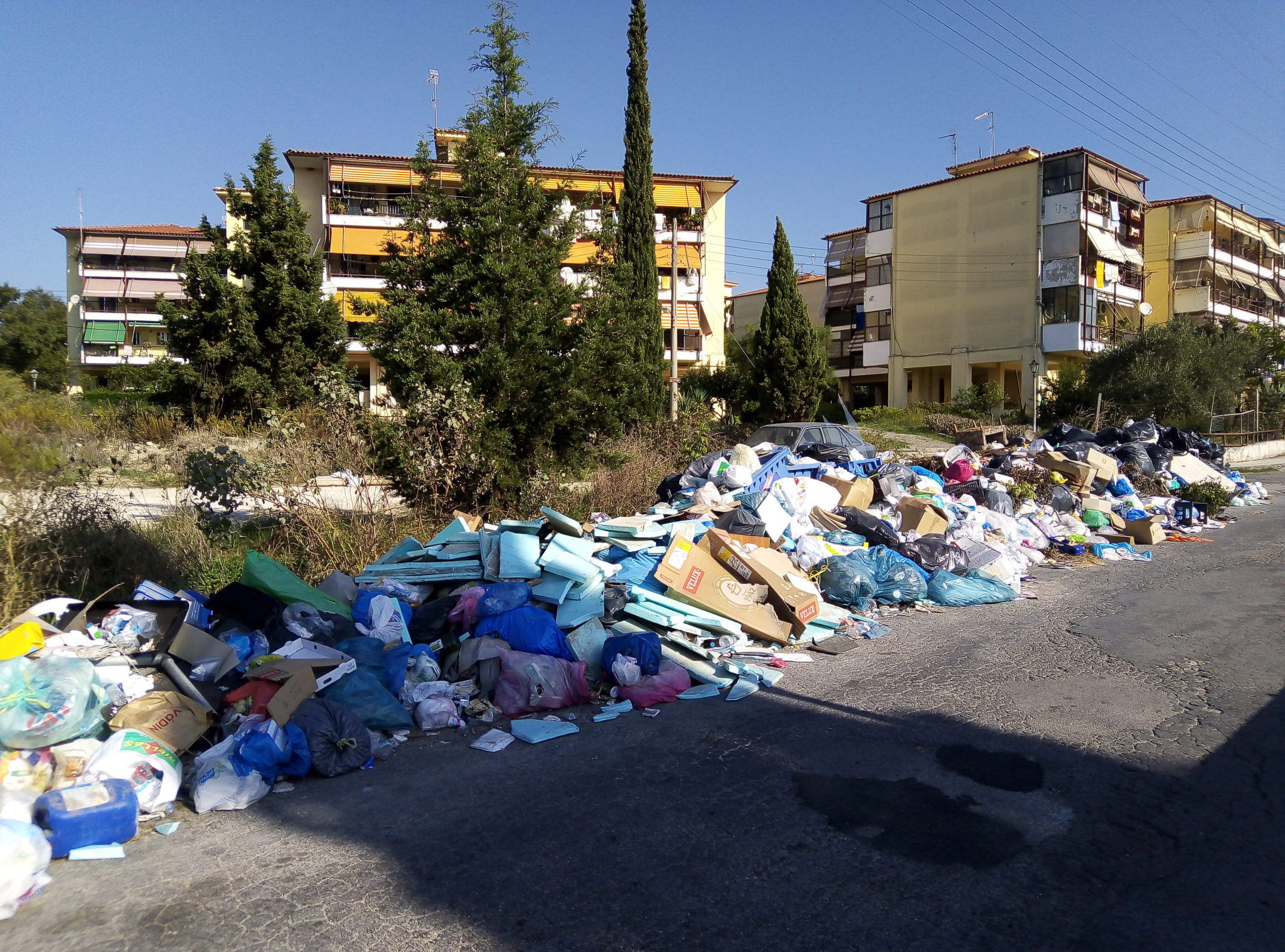 Photo of Κουλίνα άλλο ένα παρατημένο προάστιο για Νικολούζο-Ασπιώτη…Τους έπνιξαν στα σκουπίδια..Κίνδυνος επιδημιών