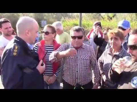 Photo of Κατάλυση της Δημοκρατίας..Απαγορεύουν 5 μήνες τώρα τη διέλευση σε Δημοσιο δρόμο στη Λευκίμμη
