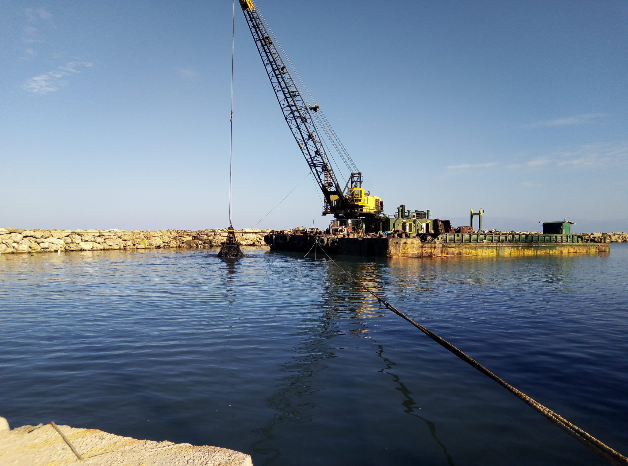 Photo of Εκατοντάδες χιλ.ευρω πεταμένα για την εκβάθυνση στον Αγ.Στεφανο κάθε χρόνο αντί  για ασφαλές Λιμάνι στο Σιδάρι