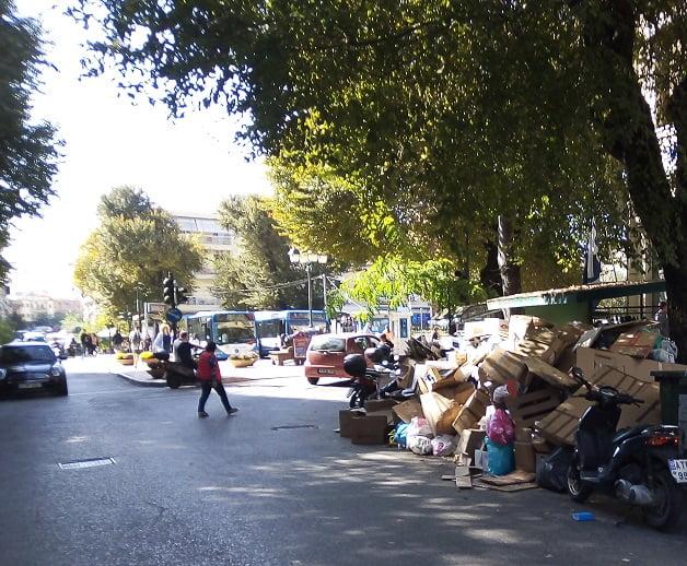 Photo of Τουριστικό συνέδριο στη Κέρκυρα με σκουπίδια στο κέντρο της πόλης σαν να μην συμβαίνει τιποτα