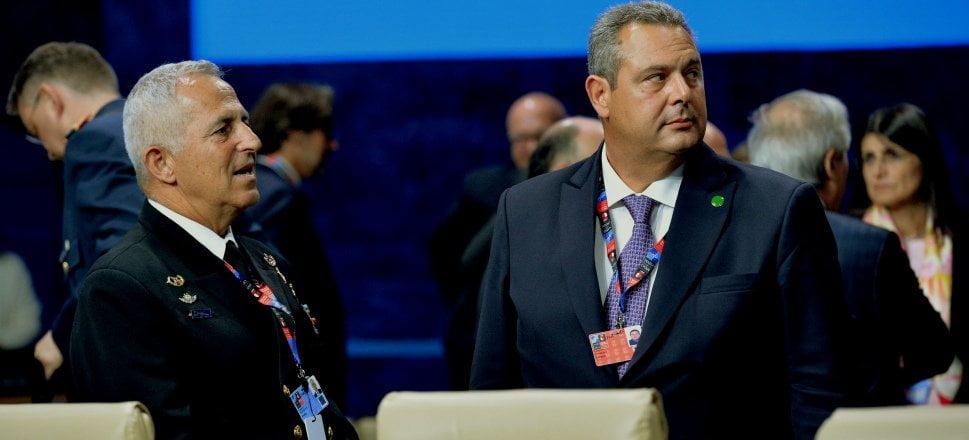 Photo of Αμεσες εξελίξεις με το που φερει στη Βουλή τη συμφωνία Πρεσπών ο Τσίπρας….Παραίτηση Καμμένου και νεος Υπουργός Ε.Α ο αρχηγός ΓΕΕΘΑ Αποστολάκης…
