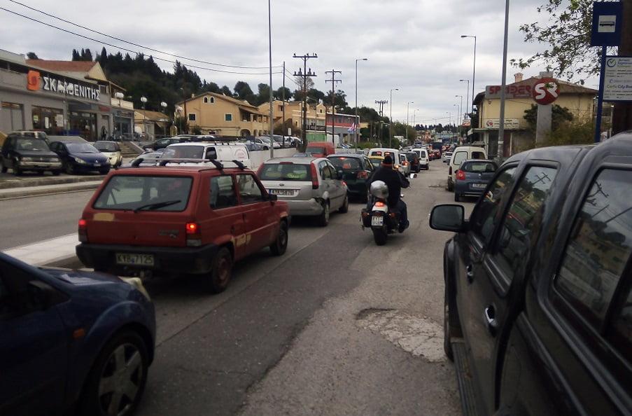Photo of Εθνική ταλαιπωρίας καθημερινά στην είσοδο και την εξοδο στη πόλη της Κέρκυρας (video)