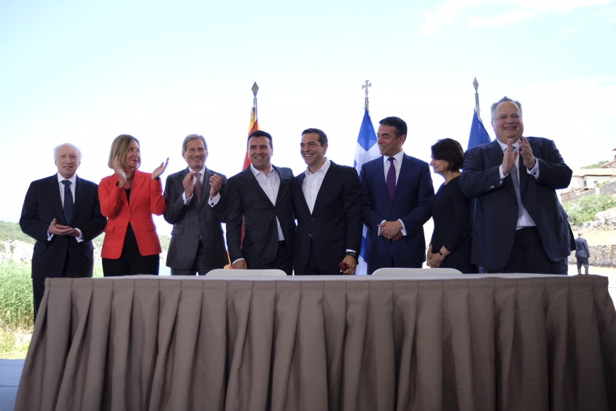 Photo of Νέες αγωγές κατά του ελληνικού δημοσίου από ενώσεις και σωματεία για το Μακεδονικό-Συμφωνία Πρεσπών.