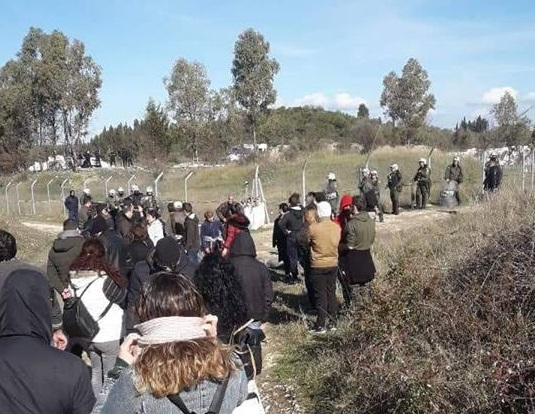 Photo of Σε συνεχή ετοιμότητα οι κάτοικοι της Λευκιμμης οσο οι κατοχικές δυνάμεις είναι στο τόπο τους.