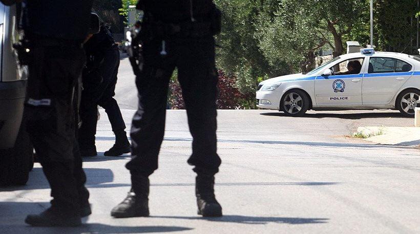 Photo of Για τρεις Πρεσπο-βολευτες 40 αστυνομικοί για φύλαξη!!!!