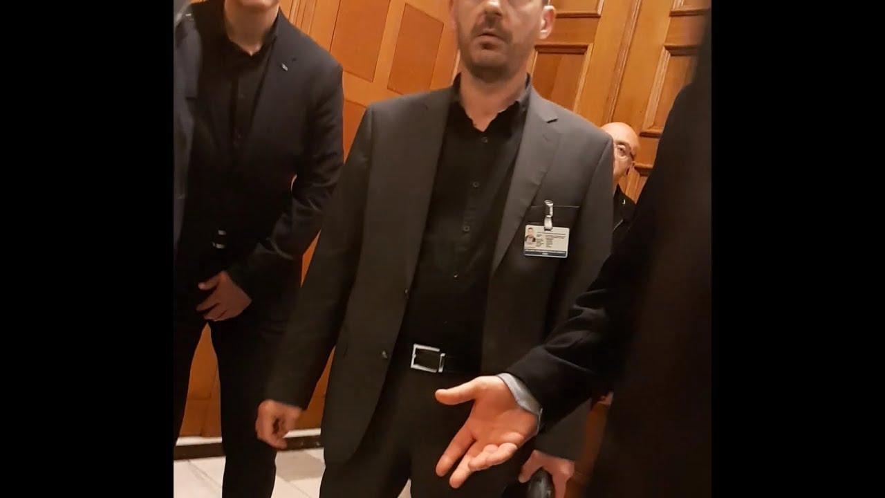 Photo of H Aστυνομική Φρουρα  εξω απο το Γραφειο Βουτση στη Βουλή μολις ειδαν Κασιδιάρη  για Σκοπιανο Υπουργο!!! (video)