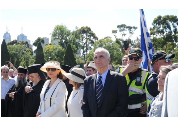 Photo of Τους κράζουν οπου πανε…Στη Μελβούρνη φωναζαν προδότη το βολευτή Βαρεμένο (video)