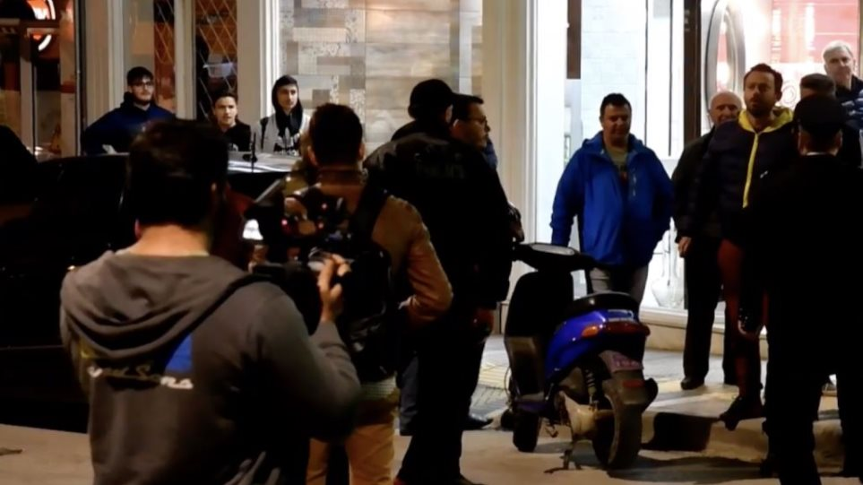 Photo of Αποδοκιμασίες – ύβρεις στο Νικο Παππα από κατοίκους του Κιλκίς για την προδοσία με τη Μακεδονία(video)