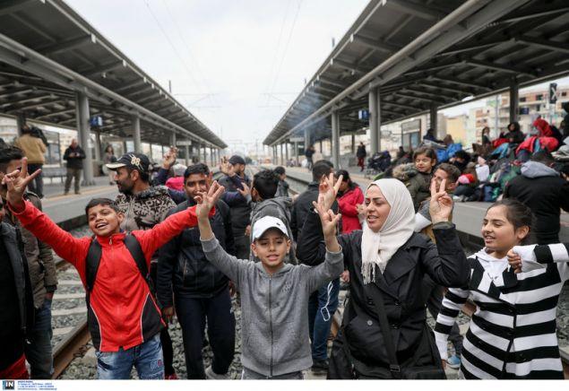 "Photo of Λαθρομετανάστες ""διέλυσαν"" τα Σιδηροδρομικα δρομολόγια!!!! Η Αστυνομία ΣΥΡΙΖΑ δεν τους ενοχλεί!!!"