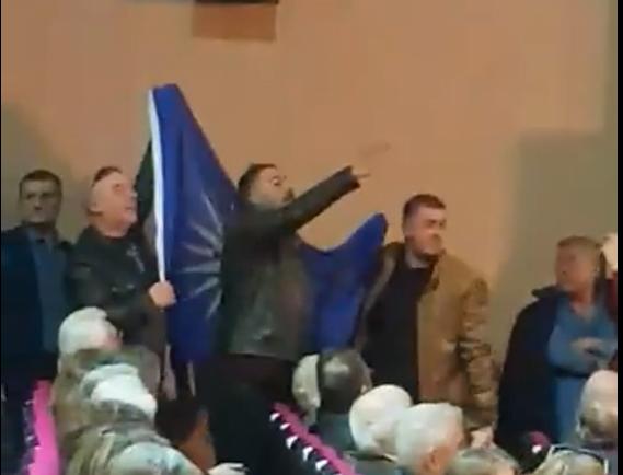 Photo of Πέταξαν έξω από την ομιλία Μητσοτάκη τους διαμαρτυρόμενους Μακεδόνες…(Video)