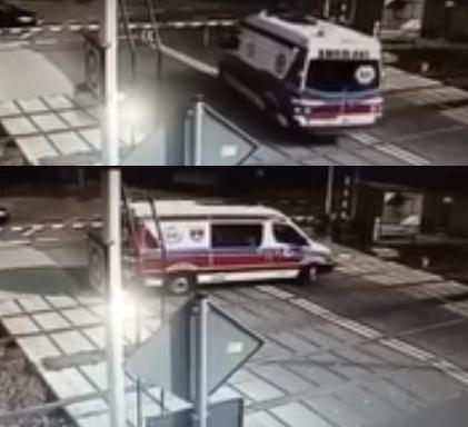 Photo of Τρένο παρασύρει ασθενοφόρο στην Πολωνία – Δύο νεκροί (video)