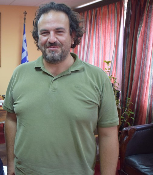 Photo of Ο Κακαβίτσας  το ορθογραφικό λάθος και ο ασθενής που έπεσε από το σπασμένο φορείο στο Νοσοκομείο