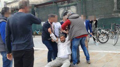 """Photo of Η """"Δημοκρατία"""" του Τσίπρα στη Λευκάδα…Ασφαλίτες του Τσίπρα  πήραν πολίτη σηκωτό και σέρνοντας για να μην διαμαρτυρηθεί!!!(video)"""