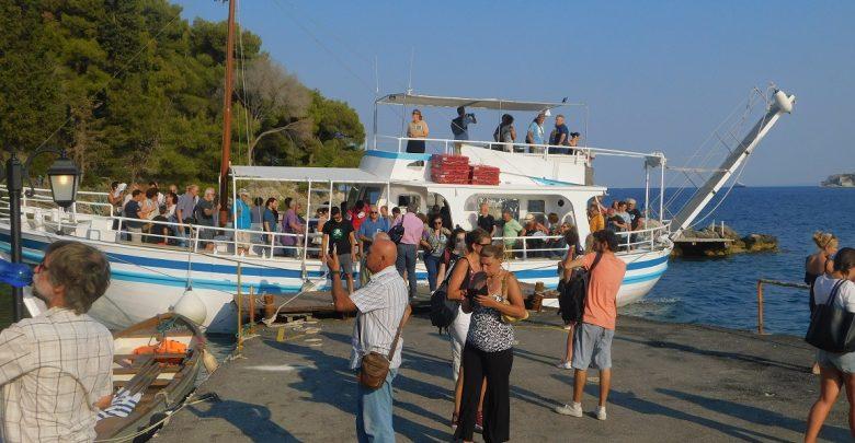 Photo of Στο Βίδο οι κάτοικοι της Κέρκυρας για να μην περάσουν τα σχέδια των αρπακτικών.. (18 Φωτό)