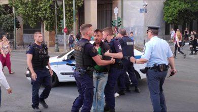 Photo of Η Αστυνομία του Σύριζα συνέλαβε στο Athens Pride  τον ΠαπαΚλεομένη αντί το ξεβράκωτο στον Άγνωστο Στρατιώτη!!