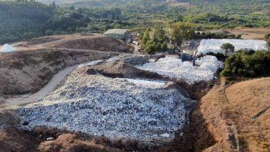 "Photo of Το ""βιολί"" του ο Νικολούζος…..Ριχνει τα σκουπίδια στο βουνό του Γ κυττάρου που εχει κλεισει!!!"