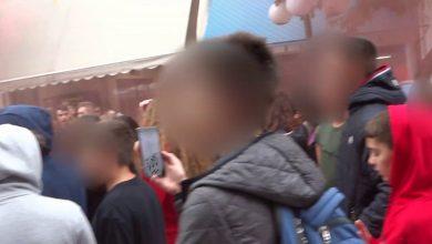 Photo of Πορεία μαθητων στα Γιαννιτσά κατα των λάθρο & κατάληψη του  σχολείου τους με συνθήματα «απελάστε τους λαθρομετανάστες»