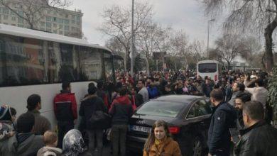 Photo of Λευκά λεωφορεία χωρίς πινακίδες μεταφέρουν κόσμο στον Έβρο …αναφέρει Πολ.ανταποκρίτρια.