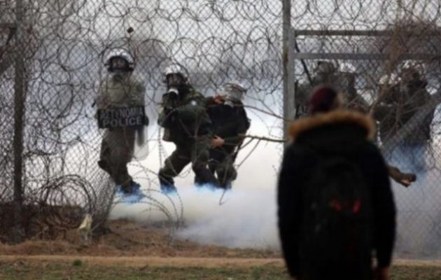 Photo of Λαθρο παραβίασαν τον φράχτη με κουβέρτες και απωθήθηκαν απο τα ΜΑΤ πίσω