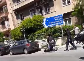 Photo of Η Αστ.Φρουρα Μητσοτάκη ξυλοκόπησε οδηγό που προηγουμένως παραλίγο να τον σκοτώσει? (video)