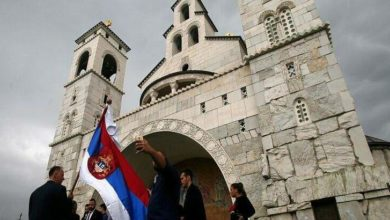 Photo of Στην Σερβία η Ιερά Σύνοδος δεν δέχθηκε το κλείσιμο των εκκλησιων.Κανονικά η θεία Κοινωνία..