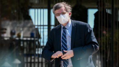 Photo of Ο άνθρωπος που εισηγήθηκε την καταστροφή της εθνικής οικονομίας και ευθύνεται για τη σκανδαλώδη αγορά των εμβολίων Η1Ν1, έφυγε με κροκοδείλια δάκρυα και ποιήματα!..