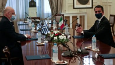 Photo of Ελλάδα και Ιταλία υπέγραψαν την οριοθέτηση ΑΟΖ με παραχώρηση να ψαρεύουν στην Ελληνική θάλασσα!!!