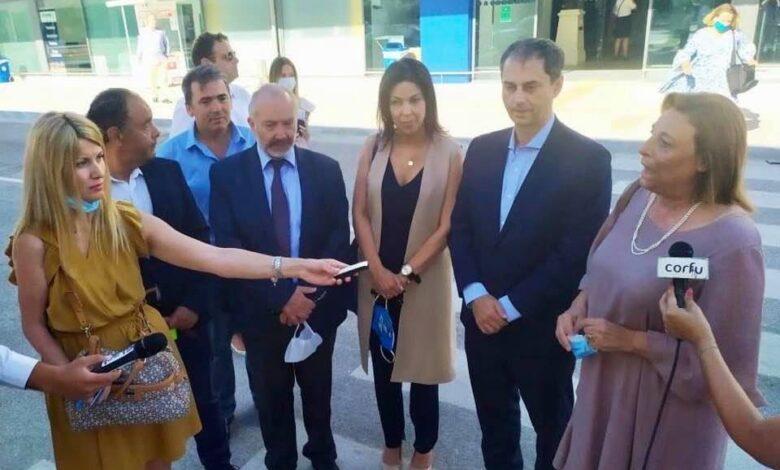 Photo of Ο Θεο ΧΑΡΟΣ του Τουρισμού ήρθε στο αεροδρόμιο για μια Χούφτα Τουρίστες είπε για τον Θεοχάρη ο Προσαλέντης(Video).