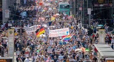 Photo of 1.300.000 πολίτες στη Γερμανία ξεχύθηκαν στους δρόμους κατά των μέτρων απο την μαιμού Πανδημίας.