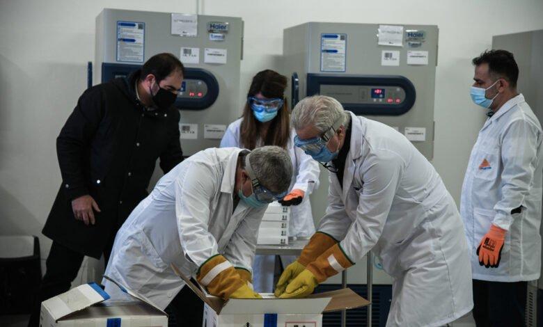 Photo of H άφιξη των εμβολίων και οι πανηγυρισμοί