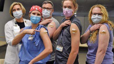 Photo of ΒLOOMBERG:Oι εμβολιασμοί δεν μείωσαν τους θανάτους και τα κρούσματα!