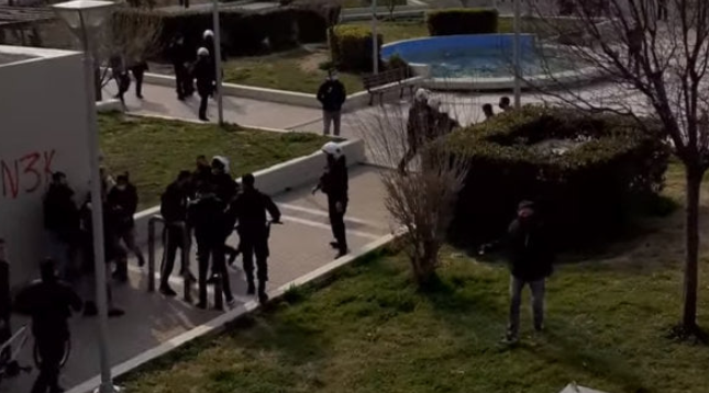 Photo of Η Χούντα του Μητσοτάκη με εντολές Χουντοχοιδη τσάκισε στο ξύλο πολίτες στη Ν.Σμυρνη(Video)